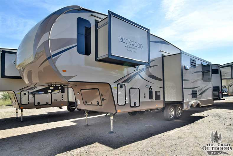 The Great Outdoors RV Co. R1335 -2019 Forest River Rockwood 8289WS- Front drivers side exterior w/slides out