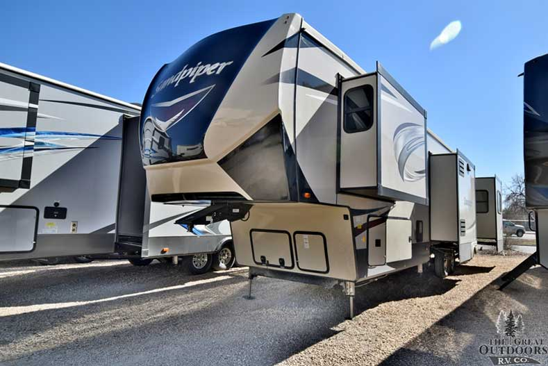 The Great Outdoors RV S126 - 2018 - Forest-River-Sandpiper-389RD Front drivers side exterior w/slides out