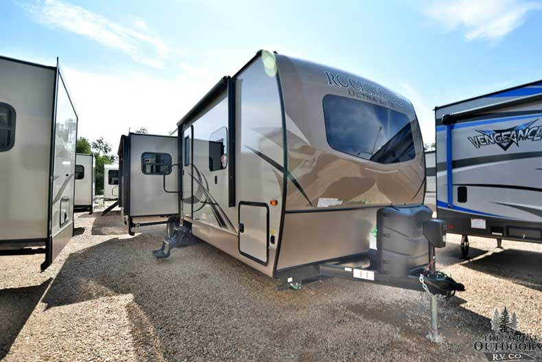 The Great Outdoors RV 2018-Forest-River-Rockwood-2906WS-R1168 Front passenger side slide